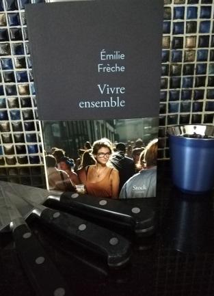 Domi_C_Lire_vivre_sensemble_emilie_freche_stock